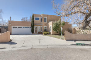 2518 Thompson Loop NW, Albuquerque, NM 87104