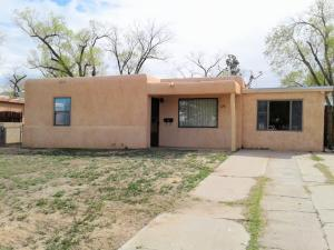 2116 ALVARADO Drive NE, Albuquerque, NM 87110