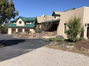 22 Canon Escondido, Sandia Park, NM 87047