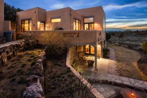 1503 Eagle Ridge Road NE, Albuquerque, NM 87122