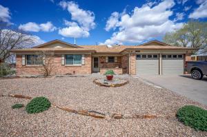 3425 Black Hills Road NE, Albuquerque, NM 87111