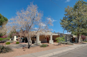 1618 Ross Place SE, Albuquerque, NM 87108