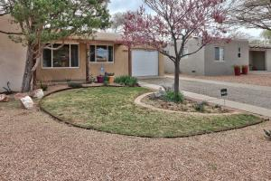 1820 GEORGIA Street NE, Albuquerque, NM 87110