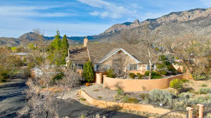 12301 OAKLAND Avenue NE, Albuquerque, NM 87122