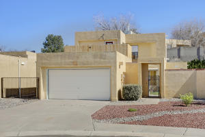 10409 OSO Court NE, Albuquerque, NM 87111
