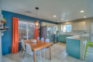 724 FRUIT Avenue NW, Albuquerque, NM 87102