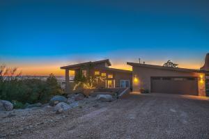 53 ROCK POINT Place NE, Albuquerque, NM 87122