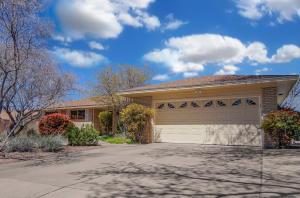 7609 GLADDEN Avenue NE, Albuquerque, NM 87110