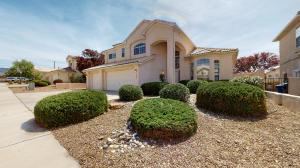 6904 Suerte Place NE, Albuquerque, NM 87113