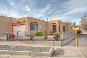 6515 CLIFFROSE Road NW, Albuquerque, NM 87120