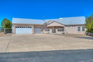 25 Crestview Road, Edgewood, NM 87015