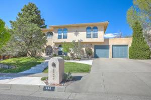 13301 MANITOBA Drive NE, Albuquerque, NM 87111
