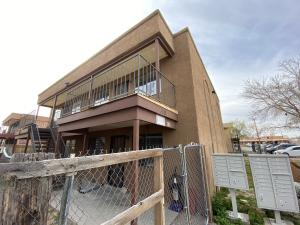 138 RHODE ISLAND Street SE, Albuquerque, NM 87108