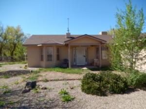 1734 Hooper Road SW, Albuquerque, NM 87105