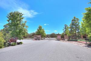 2 Cougar Court, Tijeras, NM 87059