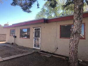 10706 FAIRBANKS Avenue NE, Albuquerque, NM 87112
