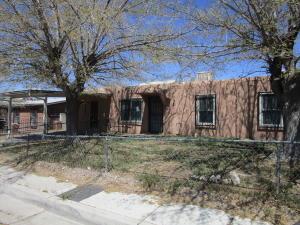 1725 SPENCE Avenue SE, Albuquerque, NM 87106