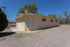 1583 SUNSET GARDENS Road SW, Albuquerque, NM 87105