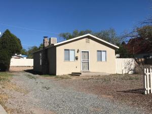 514 Girard Boulevard SE, Albuquerque, NM 87106