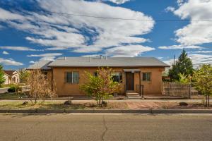706 SUMMER Avenue NW, Albuquerque, NM 87102