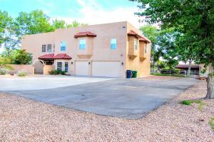 1614 LYRIA Road NW, Albuquerque, NM 87114