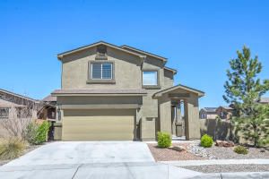 8916 Eagle Hills Drive NW, Albuquerque, NM 87104