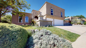 5815 Lost Dutchman Avenue NE, Albuquerque, NM 87111