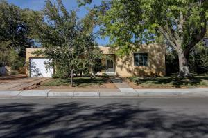 213 GRACELAND Drive NE, Albuquerque, NM 87108