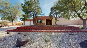 5324 FAIRFAX Drive NW, Albuquerque, NM 87114
