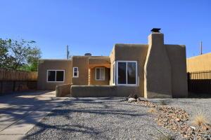 4704 BURTON Avenue SE, Albuquerque, NM 87108