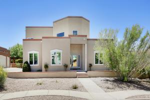 4208 Via De Luna NE, Albuquerque, NM 87110