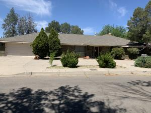 4901 PHYLLIS Street NE, Albuquerque, NM 87109