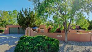 1722 Dietz Loop NW, Los Ranchos, NM 87107