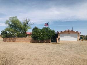 805 10TH Avenue NW, Rio Rancho, NM 87144