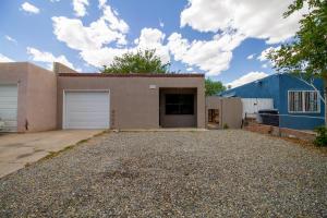 1021 Rigel Street SW, Albuquerque, NM 87105
