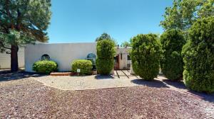 9108 JAMES Avenue NE, Albuquerque, NM 87111