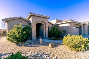 7916 VICTORIA Drive NW, Albuquerque, NM 87120