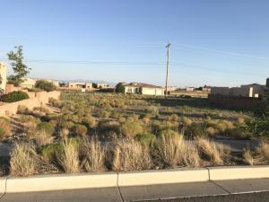 8020 MONTE CARLO Drive NW, Albuquerque, NM 87120