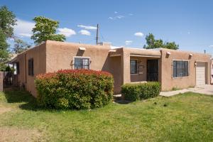 1006 TOMASITA Street NE, Albuquerque, NM 87112