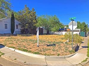 202 57TH Street NW, Albuquerque, NM 87105