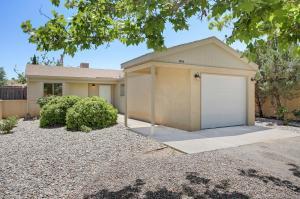 1804 LEE Loop NE, Rio Rancho, NM 87144