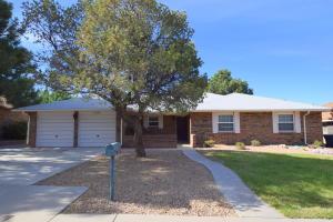 7700 LAMPLIGHTER Lane NE, Albuquerque, NM 87109