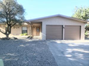 6320 HARPER Drive NE, Albuquerque, NM 87109