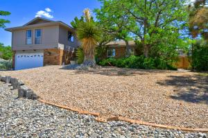 4500 Larchmont Drive NE, Albuquerque, NM 87111