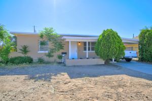 2732 SOLANO Drive NE, Albuquerque, NM 87110