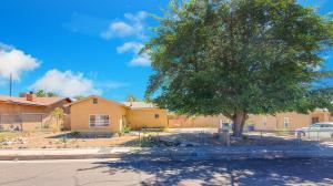 220 55TH Street NW, Albuquerque, NM 87105