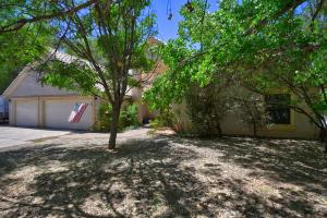 723 W Meadowlark Lane, Corrales, NM 87048