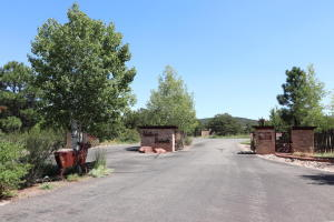 80 NATURE POINTE Drive, Tijeras, NM 87059