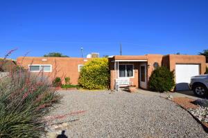 213 Moon Street NE, Albuquerque, NM 87123