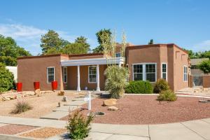8405 CHERRY HILLS Drive NE, Albuquerque, NM 87111